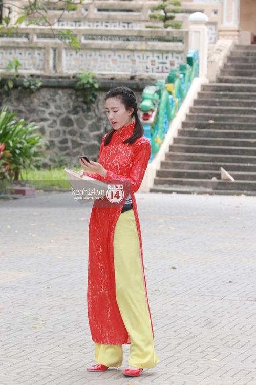 Amazing Race Trung Quốc tại Việt Nam: Vương Lệ Khôn - Trịnh Nguyên Sướng mặc áo dài, kiệt sức dưới trời nắng - Ảnh 5.