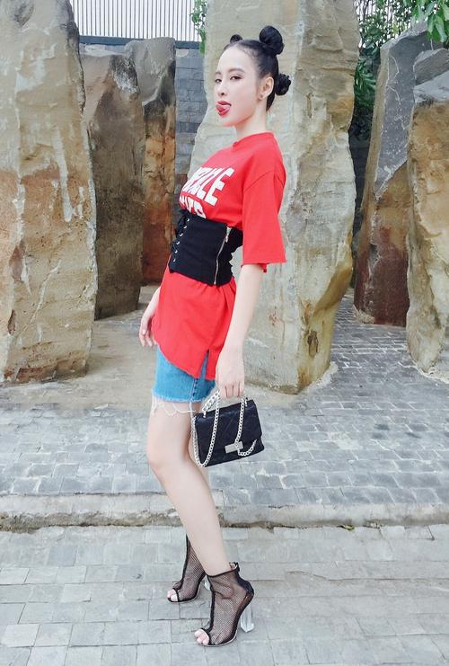 Angela Phương Trinh diện 176 bộ trang phục khác nhau trong Glee Việt - Ảnh 9.