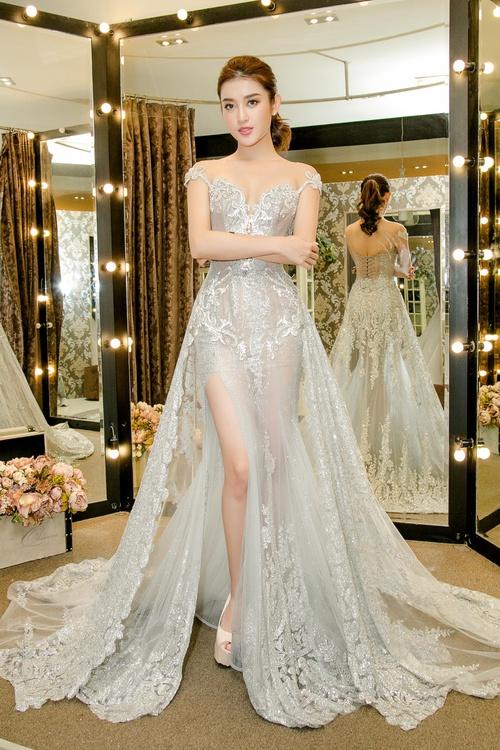 Huyền My xinh đẹp, lộng lẫy như công chúa trong buổi thử váy dạ hội, áo dài cho Miss Grand Internation 2017 - Ảnh 2.
