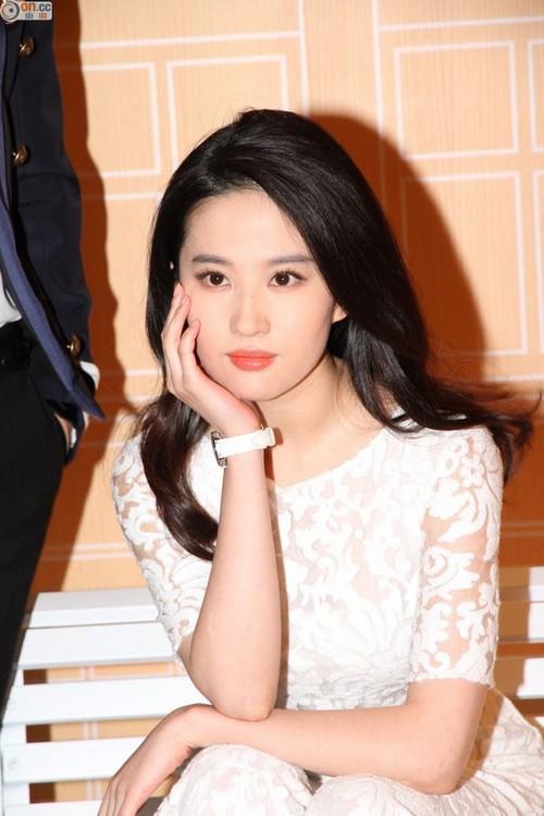 Lưu Diệc Phi tròn 30 tuổi: Hành trình nhan sắc đẹp hoàn hảo từ nhỏ tới lớn - Ảnh 14.