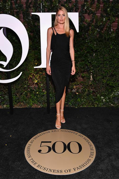 Selena Gomez chứng minh mặt tròn phúng phính vẫn có thể xinh đẹp quyến rũ tại sự kiện - Ảnh 10.