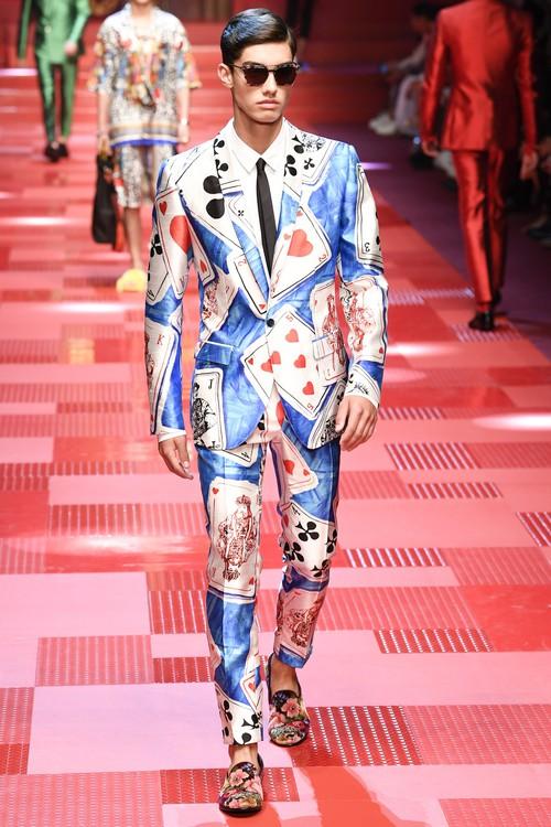 Sàn diễn Dolce&Gabbana thành Đại hội mỹ nam, nổi nhất là Mario Maurer và Vương Tuấn Khải! - Ảnh 10.