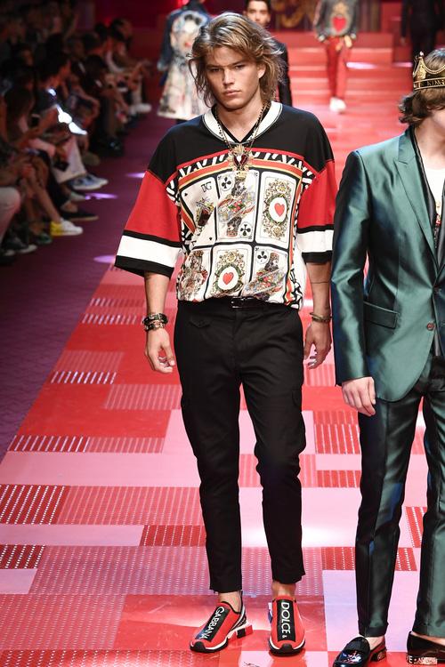 Sàn diễn Dolce&Gabbana thành Đại hội mỹ nam, nổi nhất là Mario Maurer và Vương Tuấn Khải! - Ảnh 15.