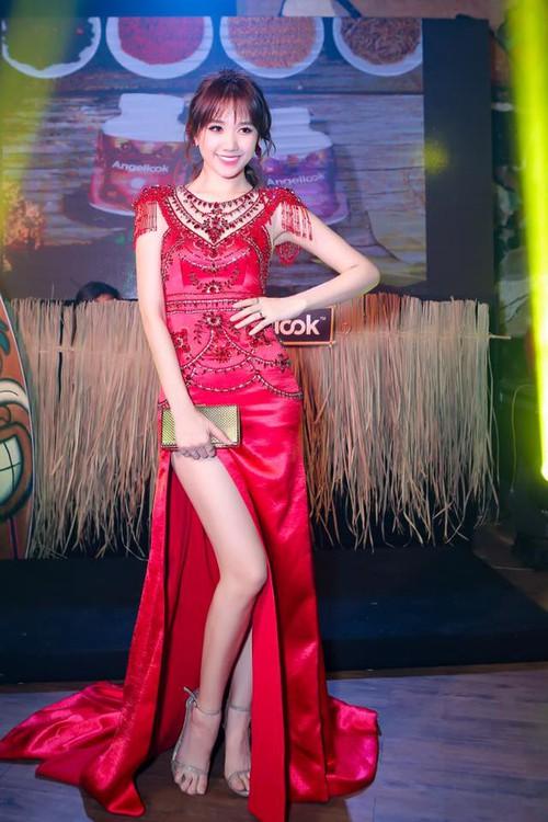 Hari Won mặc lại đầm đỏ quyến rũ mà Chi Pu diện từ nửa năm trước, ai đẹp hơn? - Ảnh 2.