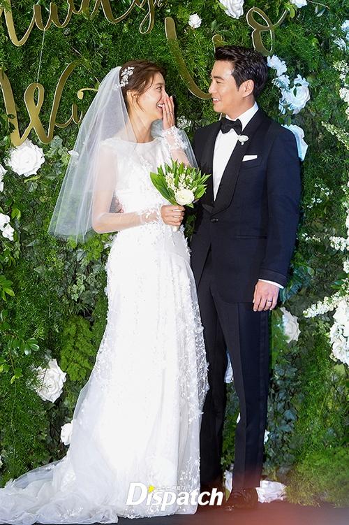 Váy cưới của các mỹ nhân đình đám xứ kim chi: người chi cả tỷ cho hàng hiệu, người diện thiết kế không tên tuổi - Ảnh 14.