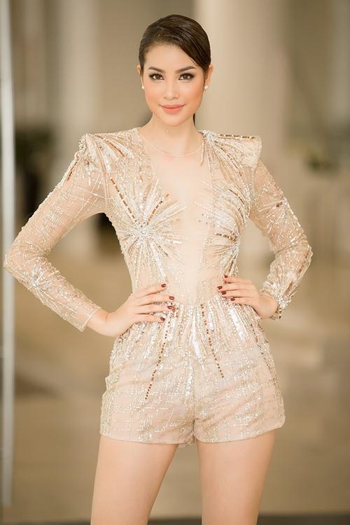 Đụng hàng trang phục sexy với Phạm Hương, Huyền My vô tình gặp sự cố bởi phần quần bó chẽn - Ảnh 5.
