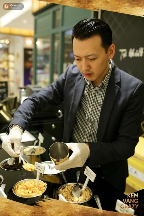 Kem vani, kem chocolate là xưa rồi, giờ người ta ăn kem với vàng 24k và mì tôm, ớt bột cơ! - Ảnh 8.