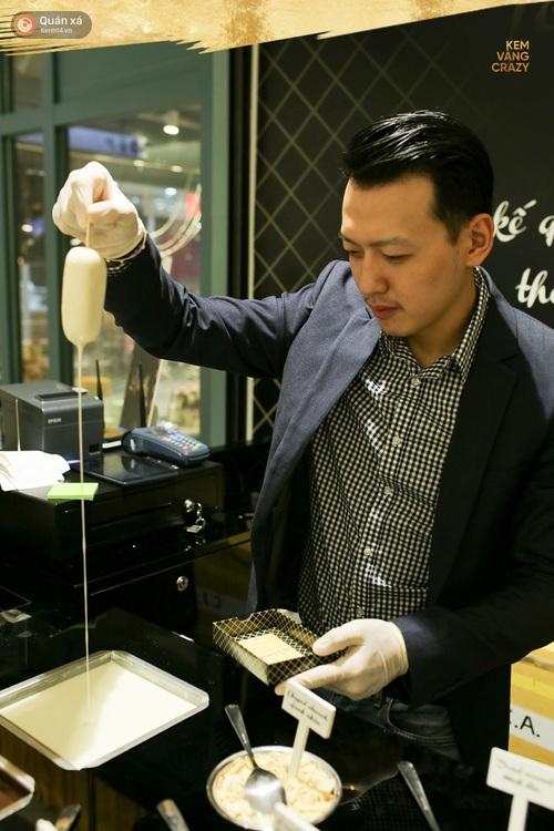 Kem vani, kem chocolate là xưa rồi, giờ người ta ăn kem với vàng 24k và mì tôm, ớt bột cơ! - Ảnh 11.