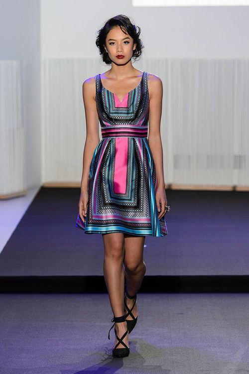 Chân dài kín tiếng này chính là mẫu Việt mở hàng cho Paris Fashion Week - Ảnh 4.