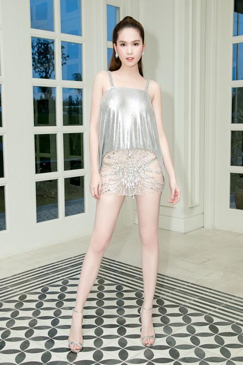 Ngọc Trinh diện váy mỏng tang, khoe trọn thân hình sexy đến bỏng mắt giữa sự kiện - Ảnh 6.