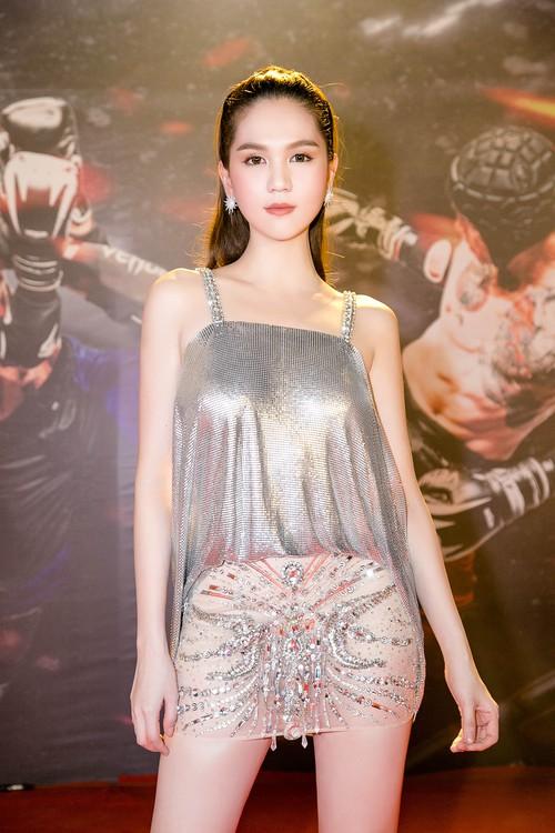 Ngọc Trinh diện váy mỏng tang, khoe trọn thân hình sexy đến bỏng mắt giữa sự kiện - Ảnh 3.