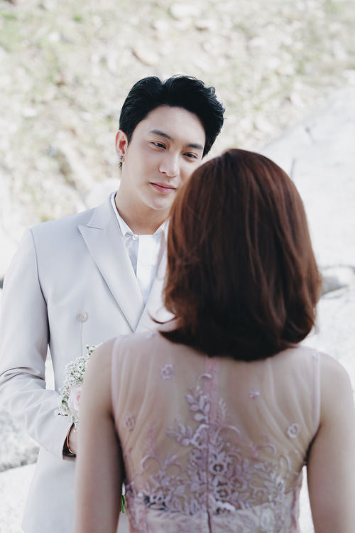 Lan Ngọc được B Trần cầu hôn trên biển trong teaser mới của Mối tình đầu của tôi - Ảnh 4.