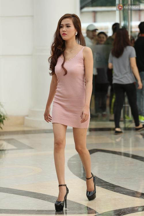 Nhiều thí sinh Hoa hậu Hoàn vũ miền Nam xuất hiện mệt mỏi, kém sắc - Ảnh 5.