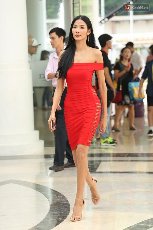 Hoa dâm bụt Hoàng Thùy nổi bật rực rỡ trong buổi sơ khảo miền Nam Hoa hậu Hoàn vũ - Ảnh 1.