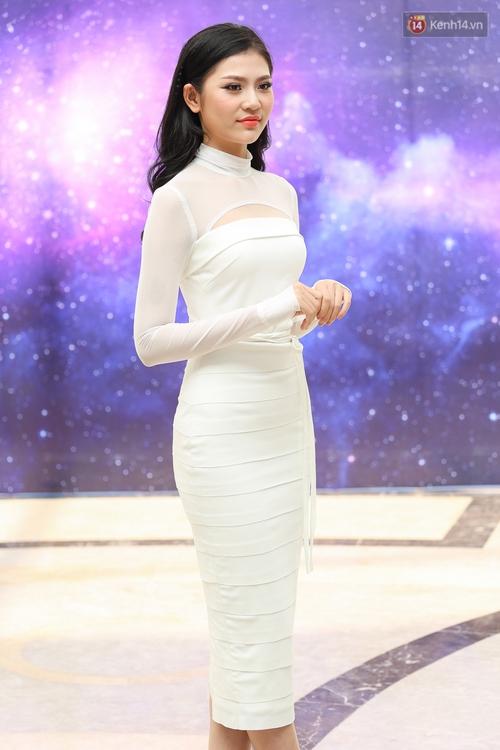Hoa dâm bụt Hoàng Thùy nổi bật rực rỡ trong buổi sơ khảo miền Nam Hoa hậu Hoàn vũ - Ảnh 6.