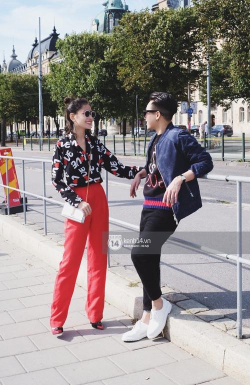 Chi Pu & Hoàng Ku đã đặt chân đến Thụy Điển, khoe street style siêu xinh trước khi thăm thú H&M - Ảnh 2.