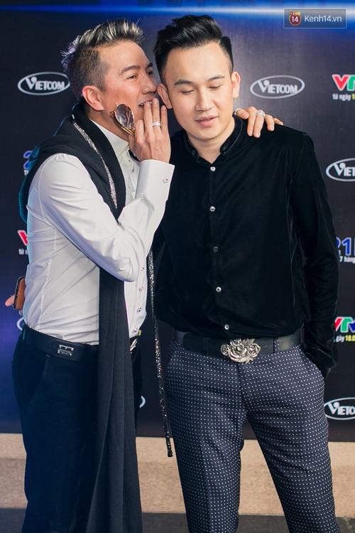 Đàm Vĩnh Hưng - Dương Triệu Vũ đầy tình cảm trong buổi ra mắt show thực tế mới cùng nhau - Ảnh 3.