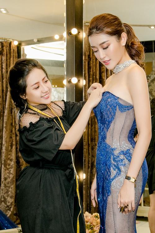 Huyền My xinh đẹp, lộng lẫy như công chúa trong buổi thử váy dạ hội, áo dài cho Miss Grand Internation 2017 - Ảnh 6.