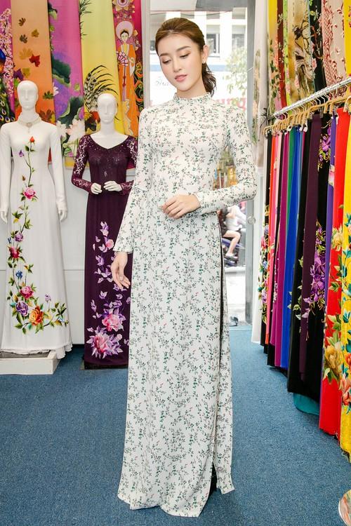 Huyền My xinh đẹp, lộng lẫy như công chúa trong buổi thử váy dạ hội, áo dài cho Miss Grand Internation 2017 - Ảnh 11.