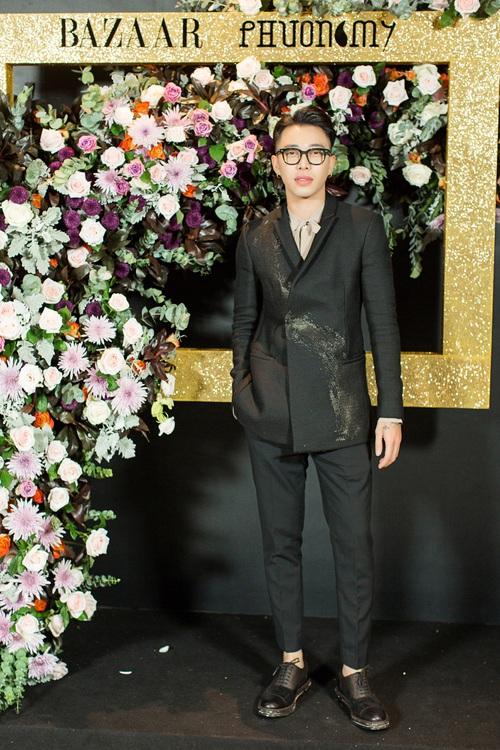 Hoàng Ku môi hồng chẳng kém các nàng Hậu, Kim Lý lịch lãm điển trai tại show diễn NTK Phương My - Ảnh 1.