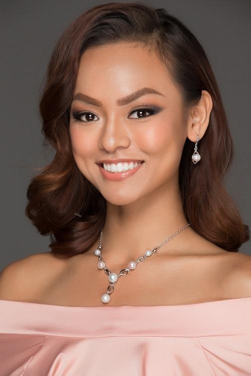 """Đâu chỉ ở Hoa hậu Hoàn vũ, Mai Ngô còn """"cá tính"""" quá đà tại rất nhiều cuộc thi khác - Ảnh 1."""