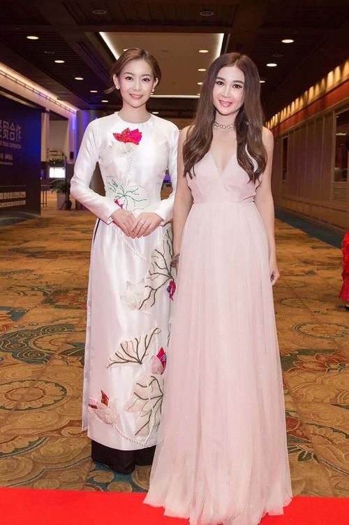 Chân dài thay thế Ngọc Trinh tươi tắn, tự tin đọ sắc với Hoa hậu chuyển giới Thái Lan - Ảnh 6.