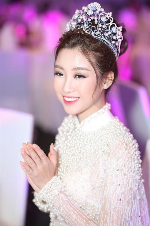 Nếu định mặc bộ áo dài này đi thi Miss World thì Đỗ Mỹ Linh sai quá rồi - Ảnh 3.