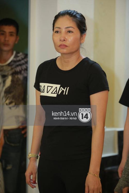 Hoa hậu Phạm Hương tiều tuỵ trông thấy khi lo hậu sự cho bố- Ảnh 8.