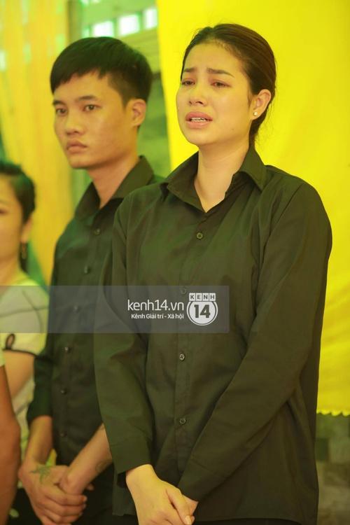 Hoa hậu Phạm Hương tiều tuỵ trông thấy khi lo hậu sự cho bố- Ảnh 11.