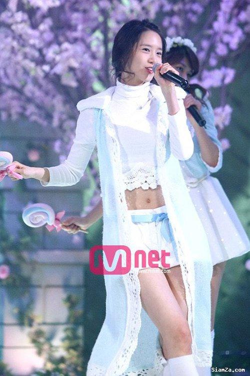 Đẳng cấp nhan sắc không tuổi của Yoona: 10 năm ngỡ như 10 tiếng đồng hồ - Ảnh 1.