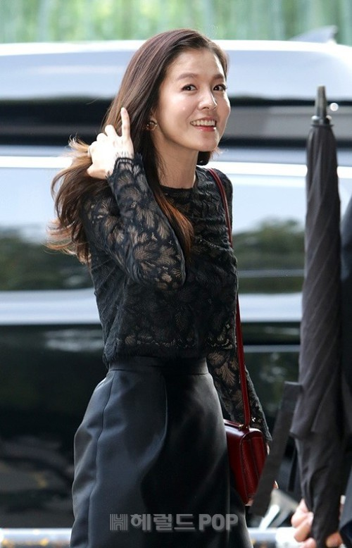 Đám cưới siêu khủng của diễn viên Vườn sao băng: Hội bạn thân tài tử, mỹ nhân hội tụ, thiếu Song Joong Ki - Ảnh 17.