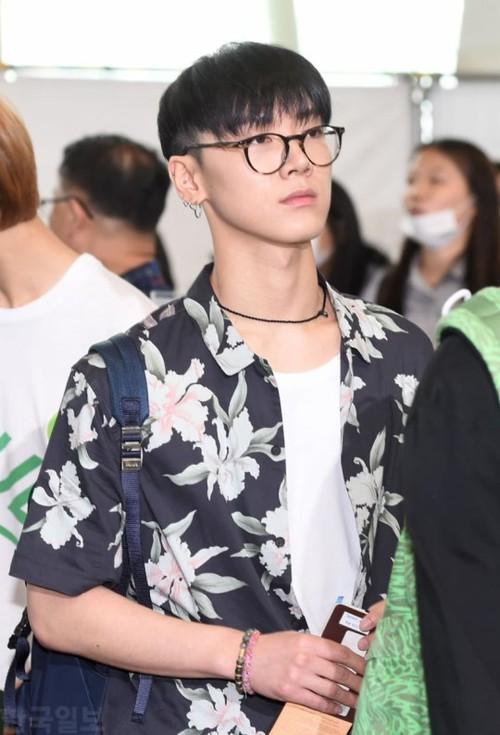 DBSK, SNSD, EXO cùng dàn trai xinh gái đẹp nhà SM đồng loạt đổ bộ, gây náo loạn sân bay - Ảnh 21.