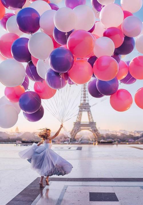 Chuyến chu du khắp thế gian của những bộ váy lộng lẫy - Ảnh 6.