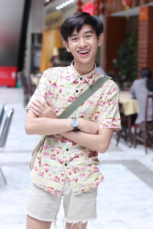 Không muốn đi một mình, anh chàng rủ bạn trai đồng tính sang Hàn Quốc để trùng tu nhan sắc - Ảnh 9.