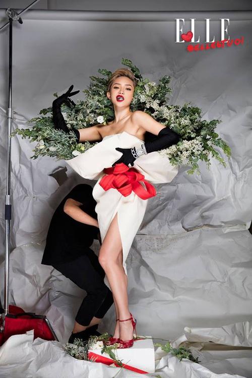 Ngang nhiên mượn thiết kế của Moschino nhưng bó hoa Tiêu Châu Như Quỳnh lại kém sắc trầm trọng - Ảnh 9.