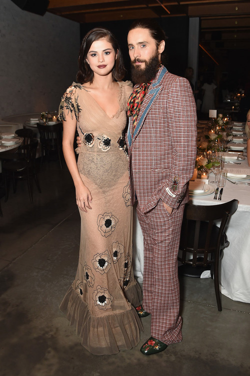 Selena Gomez chứng minh mặt tròn phúng phính vẫn có thể xinh đẹp quyến rũ tại sự kiện - Ảnh 3.