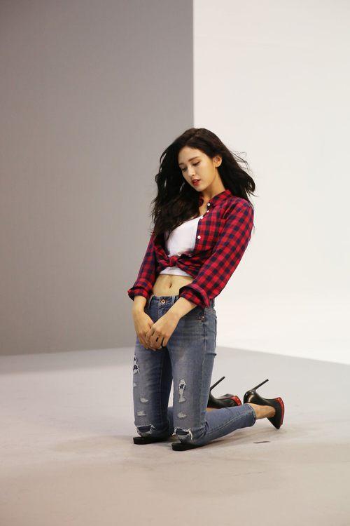 Mới sinh năm 2001 đã sở hữu body xuất sắc, Bông hồng lai nhà JYP đang khiến dân tình mê mẩn đây này! - Ảnh 8.
