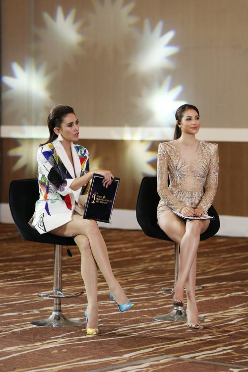 Nhan sắc 10 người đẹp đầu tiên lọt vào Bán kết Hoa hậu Hoàn vũ Việt Nam 2017 - Ảnh 19.