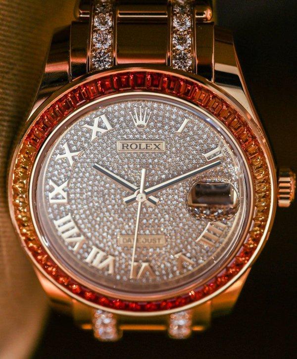 Khẳng định sự quyền quý bằng đồng hồ rolex Rolex-Datejust-Pearlmaster-39-Diamond-3235-aBlogtoWatch-4-884aa