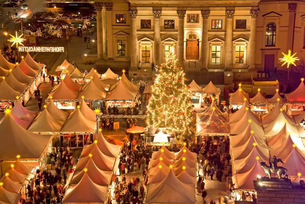 Những khu chợ Giáng sinh lộng lẫy cho du học sinh ở châu Âu - Ảnh 4.