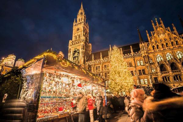 Những khu chợ Giáng sinh lộng lẫy cho du học sinh ở châu Âu - Ảnh 7.