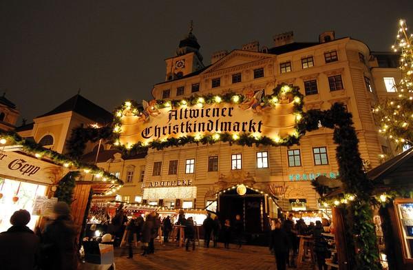 Những khu chợ Giáng sinh lộng lẫy cho du học sinh ở châu Âu - Ảnh 16.