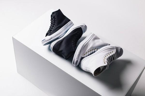 Đọ độ hot của các mẫu giày sneaker lên kệ những ngày cuối năm - Ảnh 8.