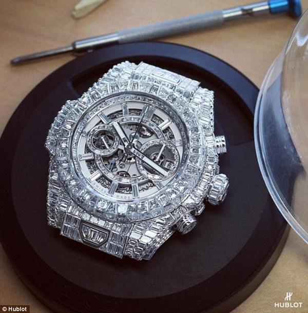 Ngắm chiếc đồng hồ 1,1 triệu đồng USD của Mayweather May3-1450236501616
