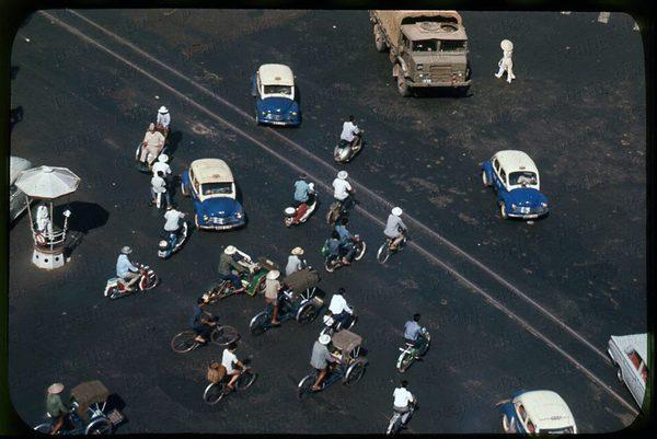 Có một Sài Gòn từng thanh lịch, duyên dáng và sành điệu như thế này ở những năm 60! - Ảnh 3.