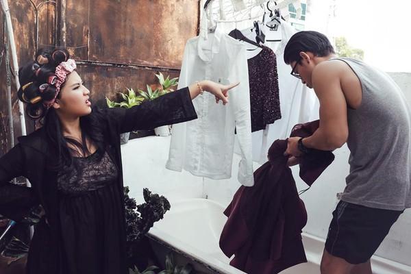 Cười lăn với bộ ảnh cưới phong cách Em là mụ nội của cặp đôi Sài Gòn - Ảnh 23.