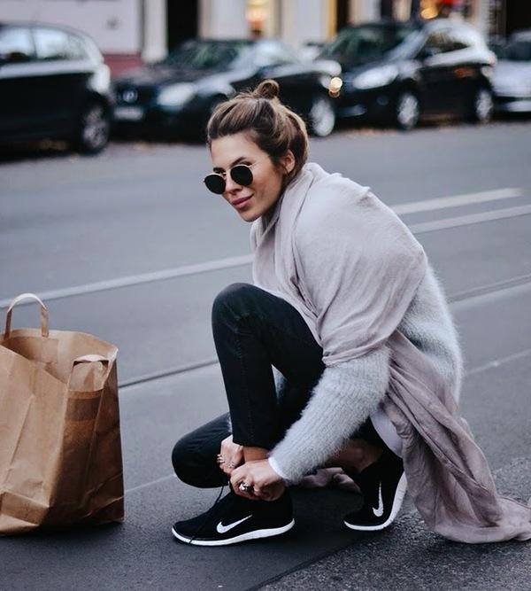 Năm 2016, liệu sneaker đen có thể tiếm ngôi sneaker trắng? - Ảnh 4.