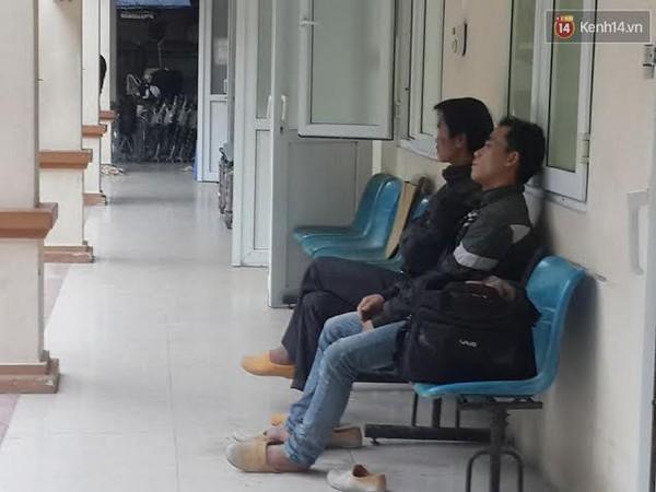 Hà Nội: Sập giàn giáo tòa nhà cao tầng, nhiều công nhân bị thương - Ảnh 2.