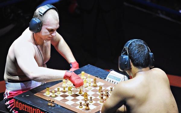Mệt bở hơi tai cùng môn đấm bốc cờ vua - Ảnh 12.