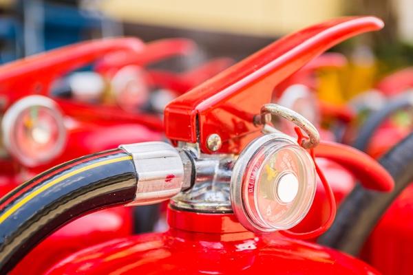 Nguy cơ bình cứu hỏa nổ trong xe - có hay không dưới góc nhìn khoa học? - Ảnh 3.